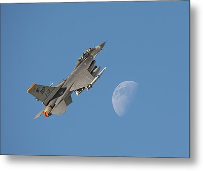 Metal Print featuring the photograph F16 - Aiming High by Pat Speirs