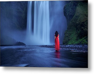 Metal Print featuring the photograph Facing Fear Head-on by Peter Thoeny