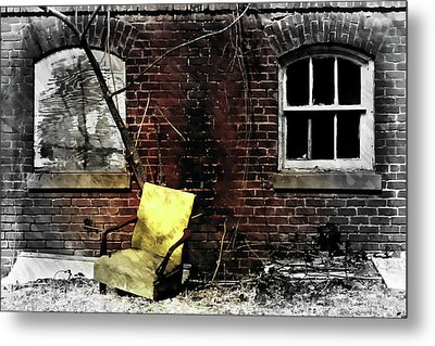 Metal Print featuring the photograph Fading Away by Jessica Brawley