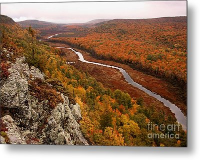 Fall Colors - Lake Of The Clouds Metal Print