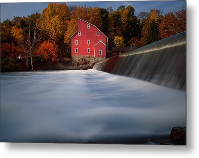 Fall Morning At The Historic Red Mill Metal Print by George Oze