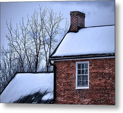 Metal Print featuring the photograph Farmhouse Window by Robert Geary