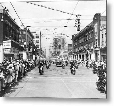 Fdr Arrives In Dallas Metal Print by Underwood Archives