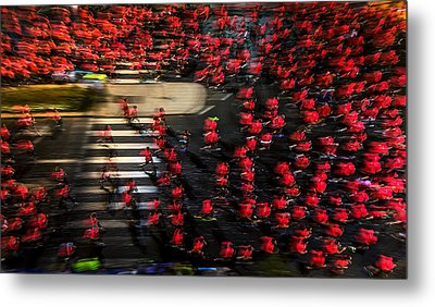 Field Of Men-roses Metal Print by Shahar Wider