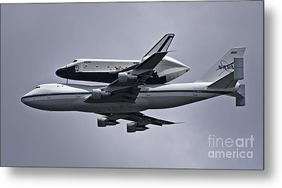 Final Approach Metal Print by Scott Evers