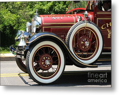 Metal Print featuring the photograph Fire Engine Red 2 by Nicola Fiscarelli