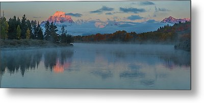 First Light Of Dawn Metal Print by Yeates Photography