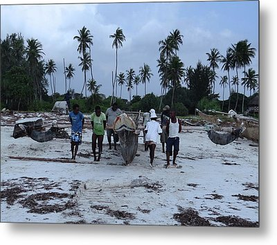 Fisherman Heading In From Their Days Catch At Sea With A Wooden Dhow Metal Print