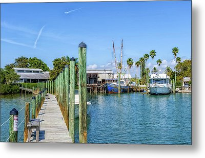 Metal Print featuring the photograph Fishery Restaurant Dock And Harbor by Frank J Benz
