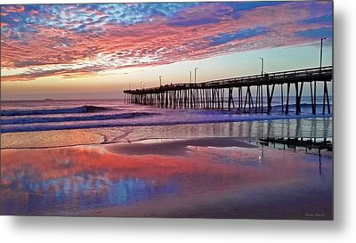Fishing Pier Sunrise Metal Print by Suzanne Stout