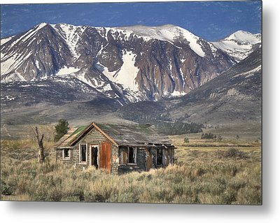 Fixer Upper With A View Metal Print by Donna Kennedy