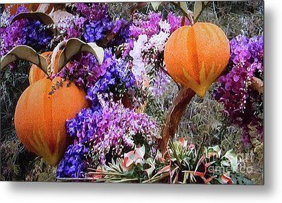 Metal Print featuring the photograph Floral Peaches by Linda Phelps