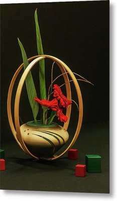 Metal Print featuring the photograph Flow Ikebana by Carolyn Dalessandro