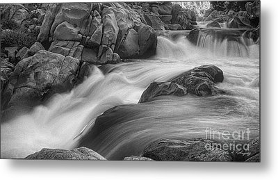 Metal Print featuring the photograph Flowing Waters At Kern River, California by John A Rodriguez