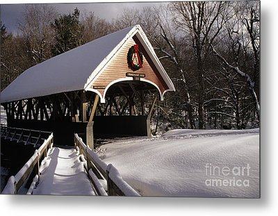 Flume Covered Bridge - Lincoln New Hampshire Usa Metal Print by Erin Paul Donovan