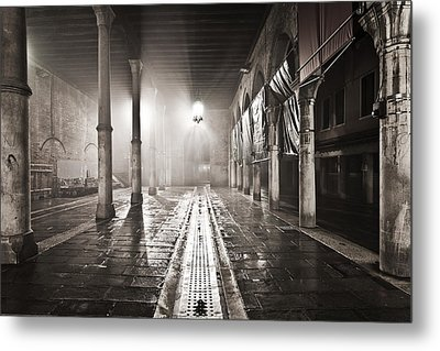 Fog In The Market Metal Print by Marco Missiaja