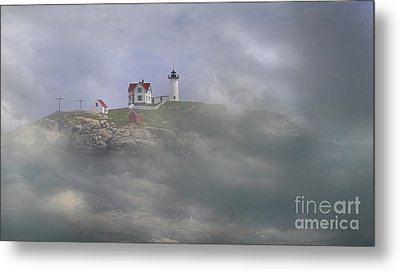 Fog On The Nubble Metal Print by Skip Willits