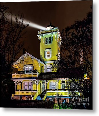 Metal Print featuring the photograph Foggy Night At Hereford by Nick Zelinsky