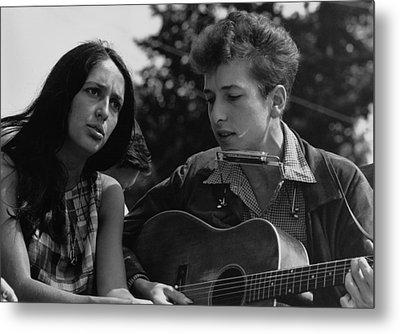 Folk Singers Joan Baez And Bob Dylan Metal Print