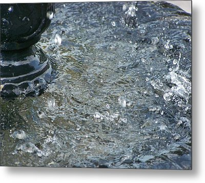 Foot Of The Fountain Metal Print
