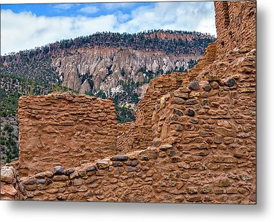 Metal Print featuring the photograph Forbidding Cliffs by Alan Toepfer