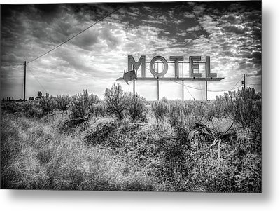 Forgotten Motel Sign Metal Print by Spencer McDonald
