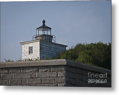 Fort Taber Lighthouse Metal Print by David Gordon