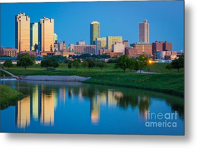 Fort Worth Mirror Metal Print by Inge Johnsson
