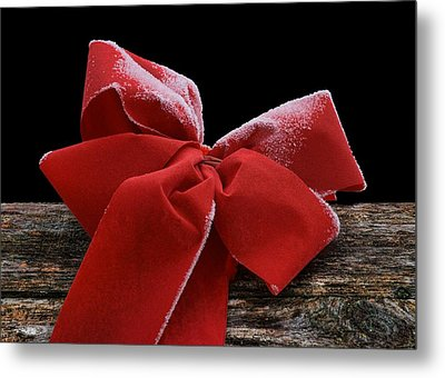 Metal Print featuring the photograph Frosted Bow by Nikolyn McDonald