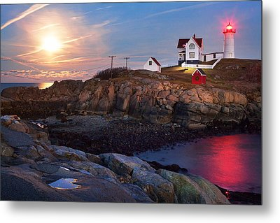 Full Moon Rise At Nubble Lighthouse Metal Print by Eric Gendron