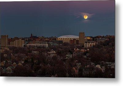 Full Moon Rising Metal Print by Everet Regal