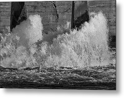 Metal Print featuring the photograph Full Power by Thomas Young