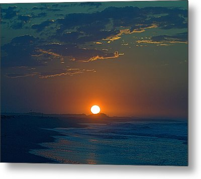 Metal Print featuring the photograph Full Sun Up by  Newwwman