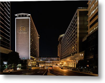 Metal Print featuring the photograph Galt House Hotel And Suites At Night by Randy Scherkenbach