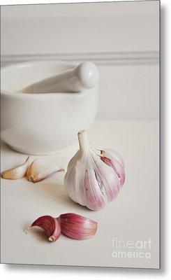 Garlic Metal Print by Lyn Randle