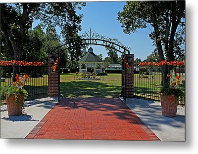 Metal Print featuring the photograph Gazebo At Celebration Park by Judy Vincent