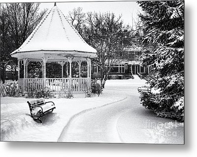 Metal Print featuring the photograph Gazebo At Windom Park by Kari Yearous