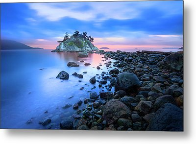 Metal Print featuring the photograph Gentle Sunrise by John Poon