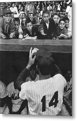 Gil Hodges Baseball Fans Metal Print by Underwood Archives