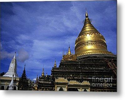 Gilded Stupa Of The Shwezigon Pagoda In Bagan Metal Print by Sami Sarkis