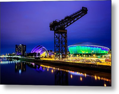 Glasgow At Night Metal Print by Ian Good