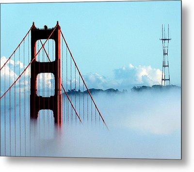 Golden Gate Bridge Tower Fog Antenna Metal Print by Jeff Lowe