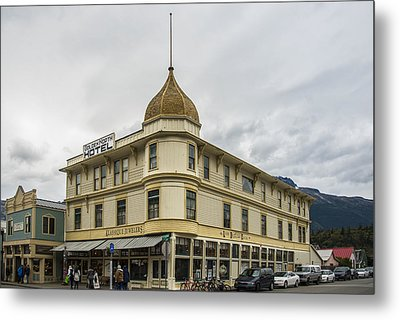 Golden North Hotel Metal Print by Robin Williams