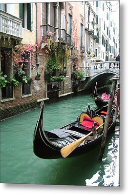 Gondola By The Restaurant Metal Print by Donna Corless