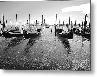 Gondolier In The Distance Metal Print by Floyd Menezes