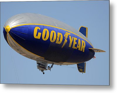 Goodyear Blimp Spirit Of Innovation Goodyear Arizona September 13 2015 Metal Print by Brian Lockett