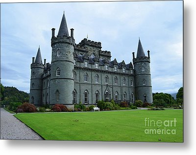 Gorgeous View Of Inveraray Castle Metal Print
