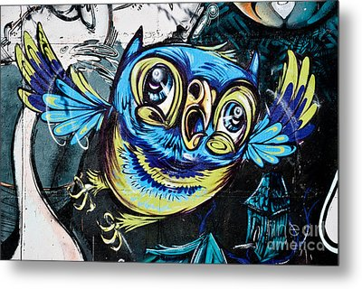 Graffiti Owl Metal Print