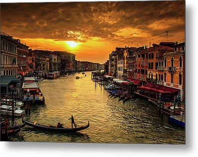 Grand Canal At Sunset Metal Print by Andrew Soundarajan