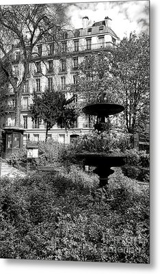 Grand Standing Metal Print by Olivier Le Queinec